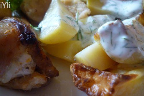 Cartofi copti cu sos din iaurt si marar.